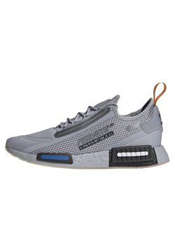 adidas Originals - NMD_R1 SPECTOO UNISEX - Sneaker low - halo silver/core black