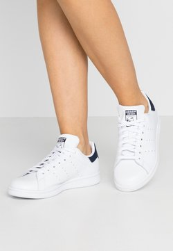 adidas Originals - STAN SMITH  - Joggesko - footwear white/collegiate navy