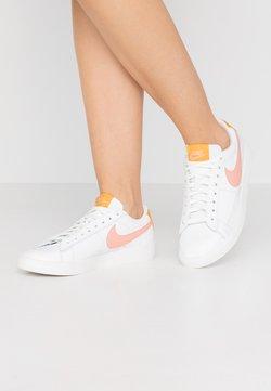 Nike Sportswear - BLAZER - Sneaker low - summit white/pink quartz/pollen rise