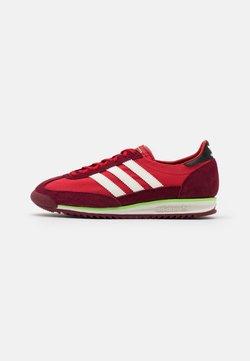 adidas Originals - SL 72 UNISEX - Sneaker low - scarlet/offwhite/collegiate burgundy