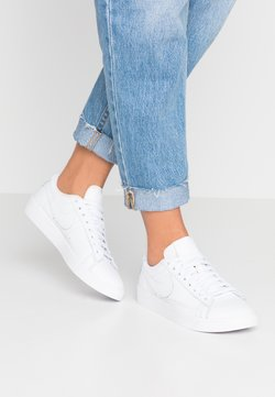 Nike Sportswear - BLAZER - Sneakers - white