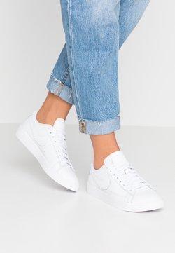 Nike Sportswear - BLAZER - Zapatillas - white