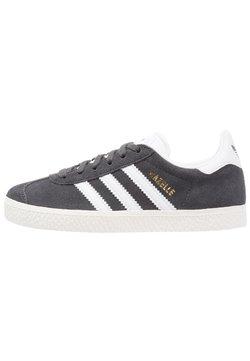 adidas Originals - GAZELLE - Sneaker low - solid grey/white/gold metallic