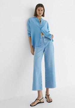 Massimo Dutti - Jeans a zampa - blue