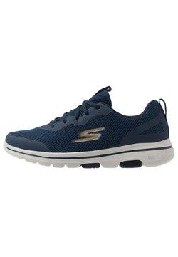 Skechers Performance - GO WALK 5 - Zapatillas de running neutras - navy/gold