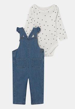 Marks & Spencer London - BABY DUNGAREE SET - Tuinbroek - blue/white