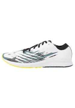 New Balance - 1500 V6 - Zapatillas de competición - white/blue