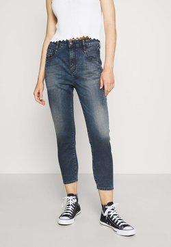 Diesel - D-FAYZA-NE JOGGJEANS - Jeans Skinny Fit - blue