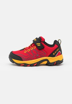 Hi-Tec - BLACKOUT LOW UNISEX - Obuwie hikingowe - red/black/yellow
