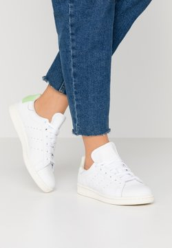 adidas Originals - STAN SMITH  - Sneaker low - footwear white/glow green/offwhite