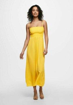 ONLY - GESMOKTES - Maxikleid - yellow, apricot