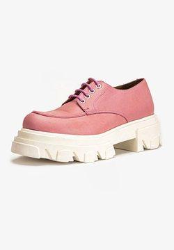 Inuovo - Sznurowane obuwie sportowe - pink pnk