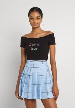 Missguided - LOVE IS LOVE BARDOT BODYSUIT - T-Shirt print - black