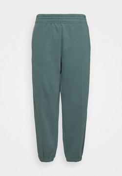 Nike Sportswear - PANT TREND PLUS - Jogginghose - hasta/white