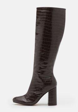 Dorothy Perkins - KARMA KNEE HIGH CROC  - Laarzen met hoge hak - choc