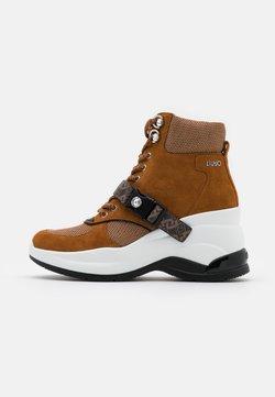 Liu Jo Jeans - KARLIE REVOLUTION - Ankle Boot - tobacco brown