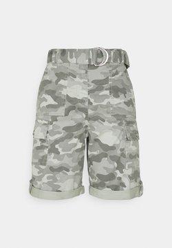 Marks & Spencer London - CAMO CARGO - Shorts - green