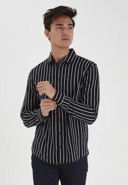 Casual Friday - Hemd - navy blazer