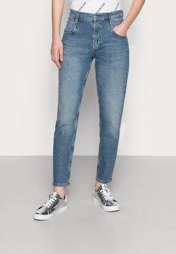 Calvin Klein Jeans - MOM - Jean boyfriend - blue