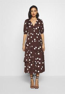 Who What Wear - THE RUFFLE MIDI DRESS - Day dress - brown/white