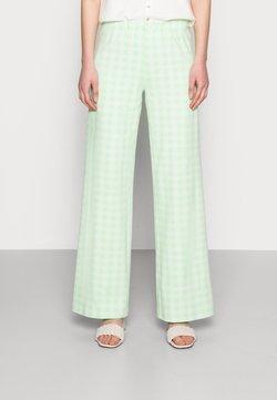Résumé - ESTHI PANTS - Stoffhose - pastel green