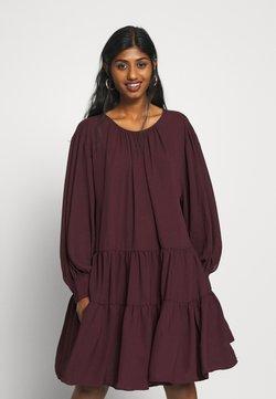 Selected Femme Petite - SLFAMAYA SHORT DRESS PETITE - Vestido informal - winetasting