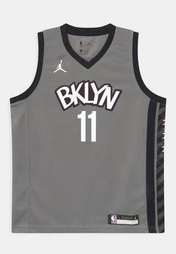 Nike Performance - NBA BROOKLYN NETS KYRIE IRVING BOYS STATEMENT SWINGMAN - Pelipaita - dark grey heather