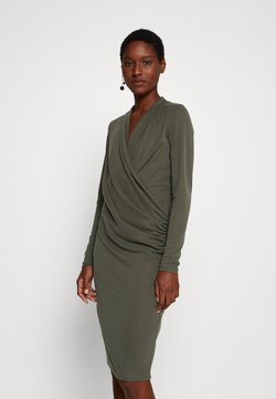 InWear - CATJA DRESS - Hverdagskjoler - beetle green