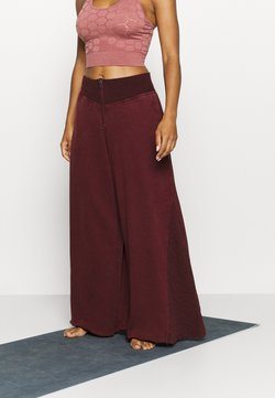 Free People - SOLID BORDERLINE WIDE LEG - Pantalones deportivos - wine