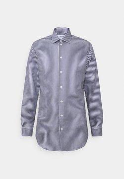 Selected Homme - SLHSLIMETHAN SHIRT CLASSIC - Formal shirt - dark sapphire