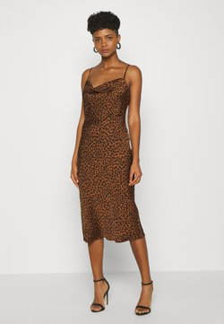 Good American - LEOPARD SLIP DRESS - Freizeitkleid - chai