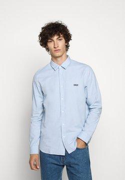 HUGO - EVART - Camisa - light pastel blue