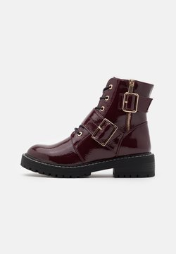 New Look - BUSY LACE UP CHUNKY - Lace-up ankle boots - dark red