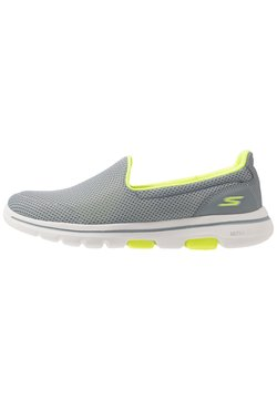 Skechers Performance - GO WALK 5 - Zapatillas para caminar - gray/lime