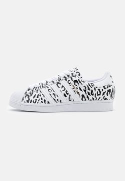 adidas Originals - SUPERSTAR SPORTS INSPIRED SHOES - Sneakers laag - footwear white/core black/gold metallic