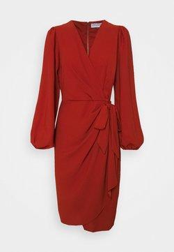 Closet - CLOSET PLEATED WRAP DRESS - Juhlamekko - rust