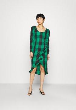 Who What Wear - RUFFLE TRIM DRESS - Freizeitkleid - green