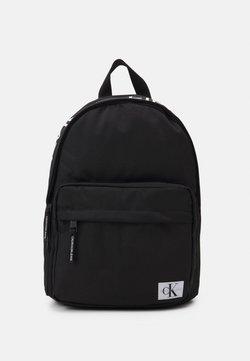 Calvin Klein Jeans - INSTITUTIONAL LOGO BACKPACK UNISEX - Ryggsäck - black