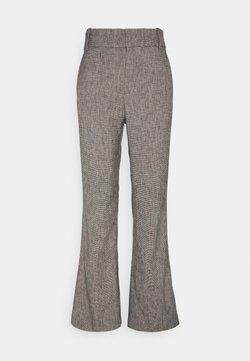 InWear - VERDII BOOTCUT PANT - Stoffhose - black / white