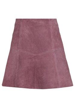 Vila - VIVISO SHORT SKIRT - A-line skirt - grape shake/light gold trim