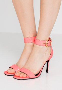 Versace Jeans Couture - Sandalen met hoge hak - corallo fluo