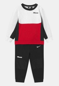 Nike Sportswear - AIR CREW SET - Survêtement - black