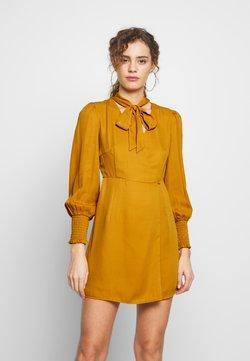 Fashion Union - PEEPO - Hverdagskjoler - yellow