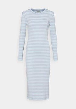 Mads Nørgaard - TONAL STRIPE DUBA - Jerseykleid - forever blue