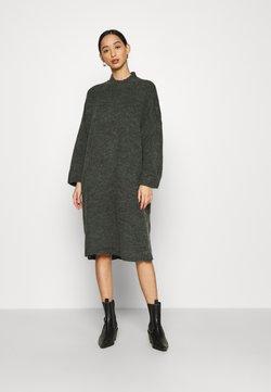 Monki - MALOU DRESS - Vestido de punto - green dark unique