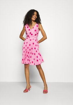 Closet - CLOSET V-NECK PLEATED DRESS - Freizeitkleid - pink