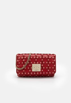 Red V - FLOWER PUZZLE WALLET ON CHAIN - Kopertówka - red kiss