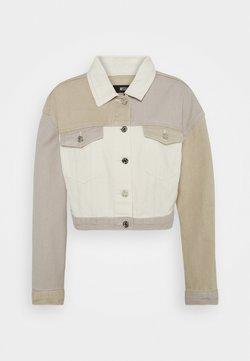 Missguided - PATCHED CROPPED JACKET  - Veste en jean - brown