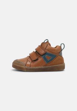 Froddo - ROSARIO HIGH TOP - Vauvan kengät - cognac