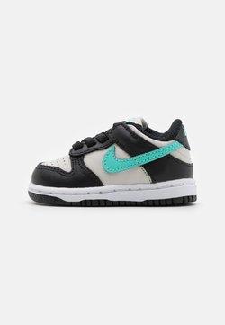 Nike Sportswear - DUNK  - Sneakersy niskie - light bone/tropical twist/black/white